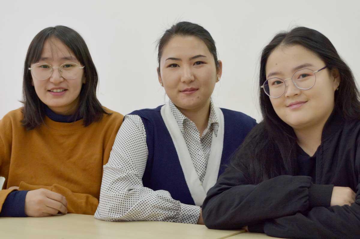 Солонгосын засгийн газрын тэтгэлэг 3 оюутан тэнцлээ